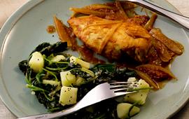 Frango com batata e espinafre