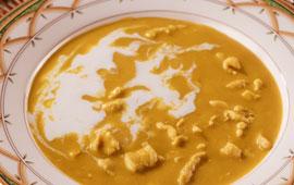 Sopa de frango tailandesa