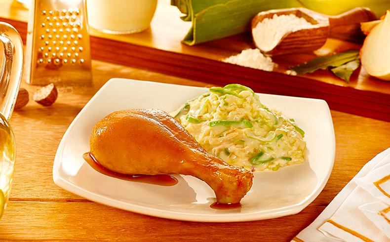 Coxa de frango assada com creme de alho poró