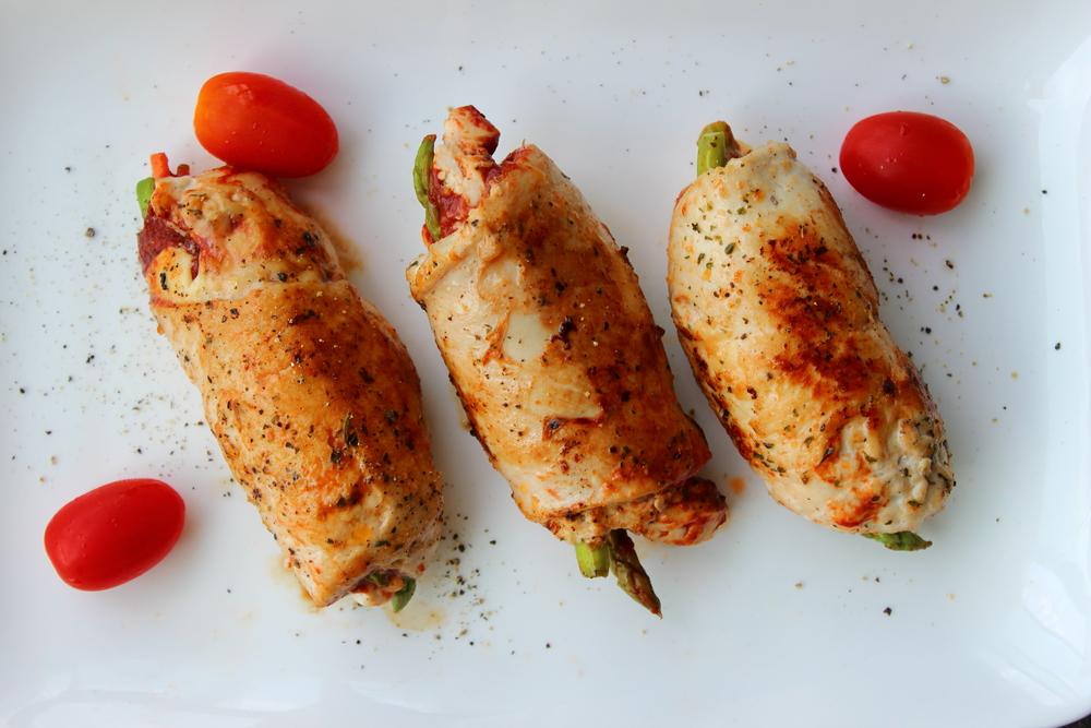 Rolê de frango ao forno com legumes
