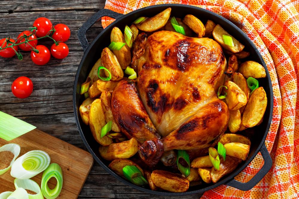 Quais as guarnições ideais para acompanhar um frango assado?