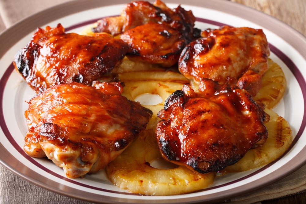 Peito de frango assado com abacaxi