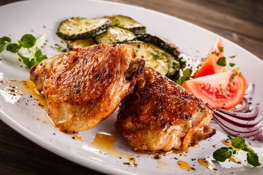 Sobrecoxa de frango Seara DaGranja assada com creme de cebola e maionese