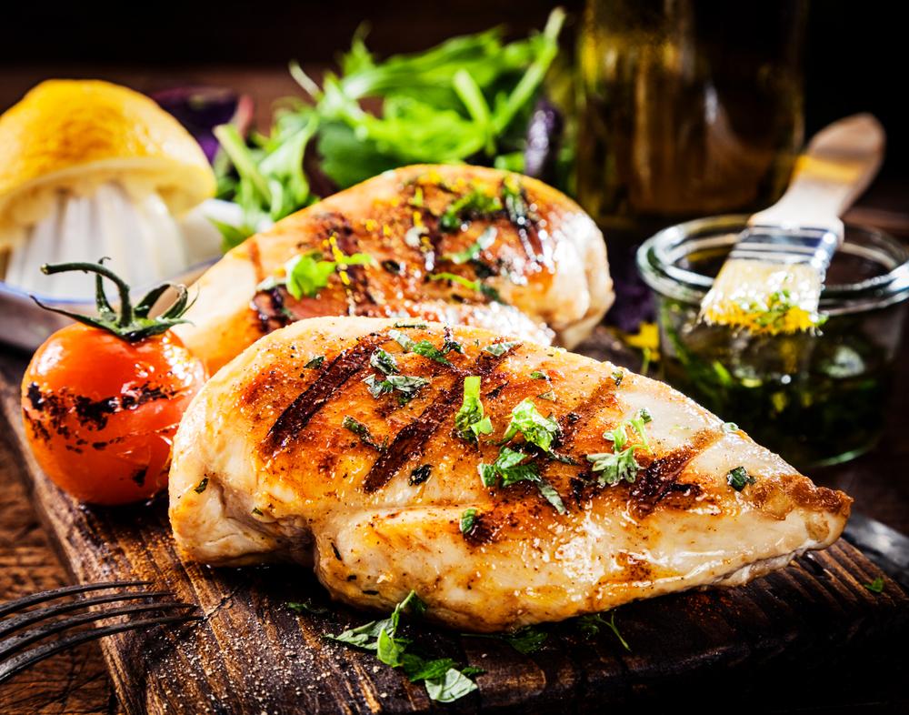 Quais as substâncias benéficas presentes na carne de frango?